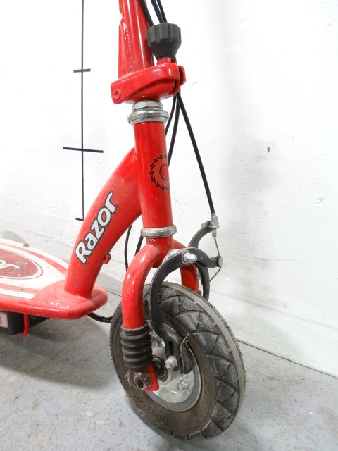 Police auctions canada razor e100 electric scooter 120992d for Razor motor scooter e100