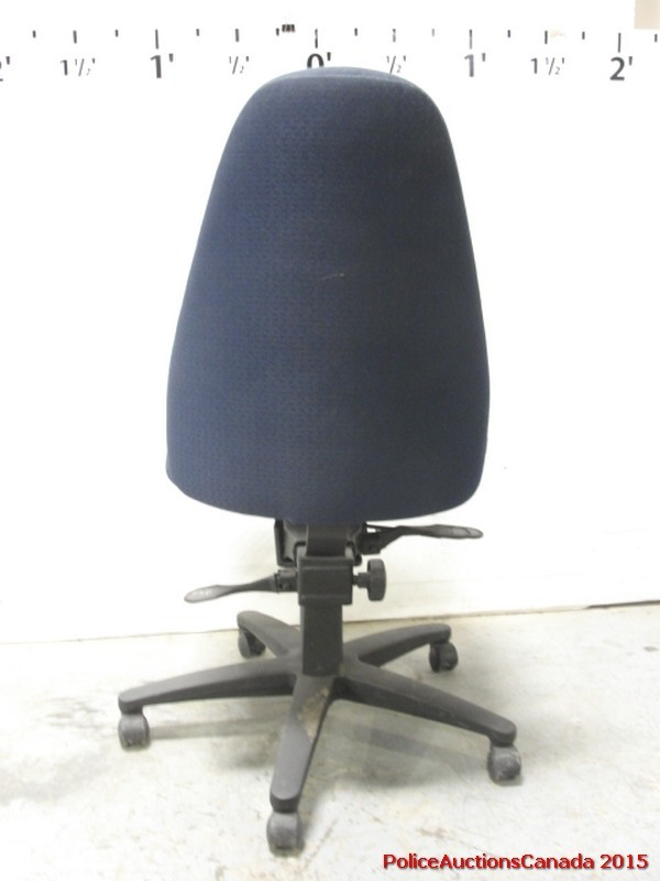 Police Auctions Canada Adjustable Rolling Desk Chair 111268H